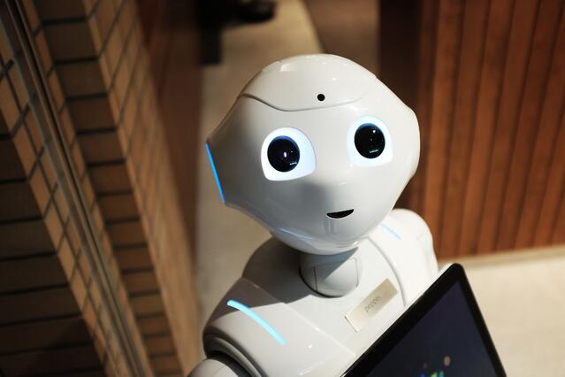 AI and robots: trends-of-modern-workplace